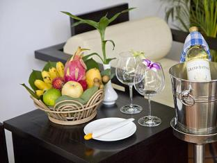 The Moon Boutique Hotel Siem Reap - Local organic fruit