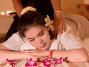 The Moon Boutique Hotel Siem Reap - Traditional Khmer Treatment