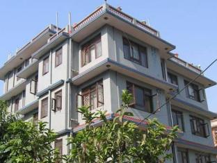 Hotel Ganesh Himal Kathmandu - Hotel Exterior