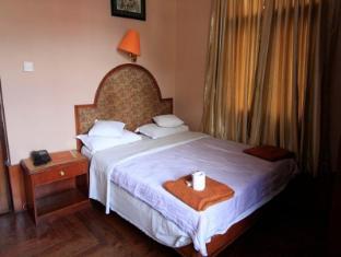Hotel Ganesh Himal Kathmandu - Deluxe Room