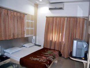 Hotel Meera Chittorgarh - Deluxe Room