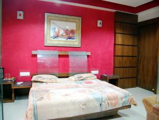 Hotel Meera Chittorgarh - Suite Room