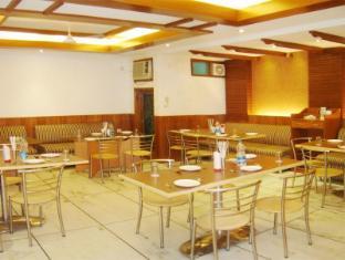 Hotel Apra Deluxe New Delhi and NCR - Restaurant