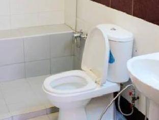 Econ Inn @ Chinatown Singapore - Bathroom