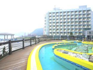 Pacific Hotel - Sunlight