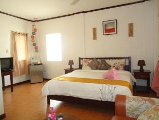 Bonita Oasis Beach Resort Moalboal - Guest room