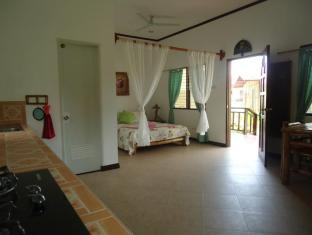 Bonita Oasis Beach Resort Moalboal - Guest room with Kitchen