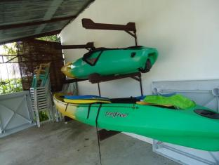 Bonita Oasis Beach Resort Moalboal - Kayaking