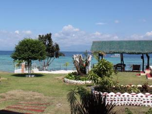 Bonita Oasis Beach Resort Moalboal - Front of Sea View