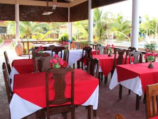 Bonita Oasis Beach Resort Moalboal - Restaurant