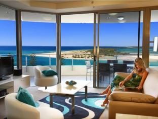 Monaco Apartments Resort