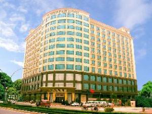CP Peninsula Hotel