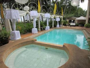 Chateau del Mar Davao City - Swimming Pool