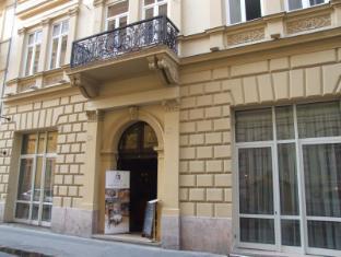 Residence Baron Budapest - Hotel entrance