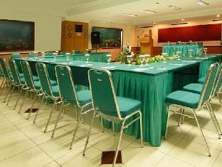Losari Beach Inn Makassar