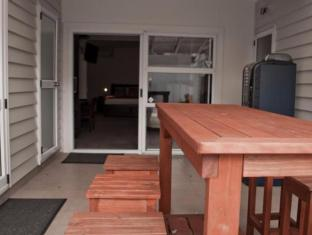 ASURE AT Eden Park Motel Auckland - Balcony/Terrace