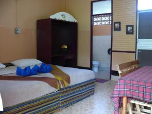 Hollanda Montri Guesthouse Chiang Mai - Standard Aircon Room