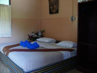 Hollanda Montri Guesthouse Chiang Mai - Standard Fan Room