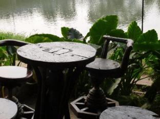 Hollanda Montri Guesthouse Chiang Mai - Surroundings