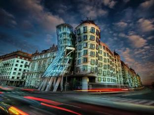 Residence Ai Quattro Angeli Prague - Dancing House