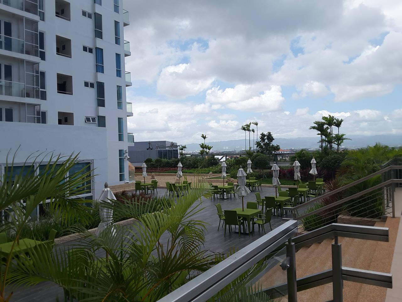 Mactan New Town 1 BR Twin Bed With Wifi