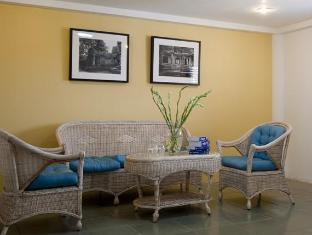Le Leela Villa Hotel Phnom Penh - Sofa in Room Grand Executive room