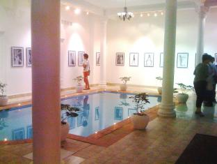 Le Leela Villa Hotel Phnom Penh - Indoor Swimming Pool