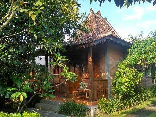 Ndalem Suryo Saptono Room 1 Yogyakarta