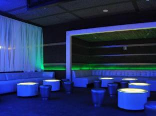 Radisson Blu Resort Goa Cavelossim Beach Güney Goa - Bar/Bekleme Salonu