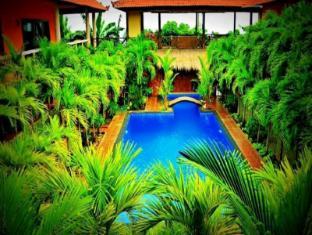 Bali Spark Resort Dive & Spa Bali - Swimming Pool