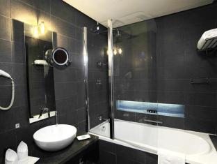 Hues Boutique Hotel Dubai - Bathroom