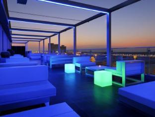 Hues Boutique Hotel Dubai - Pub/Lounge
