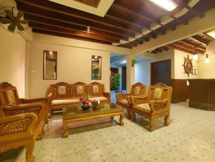 Relax Guest House Phuket - Lobi