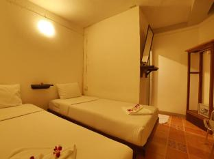 Relax Guest House Phuket - Guest Room