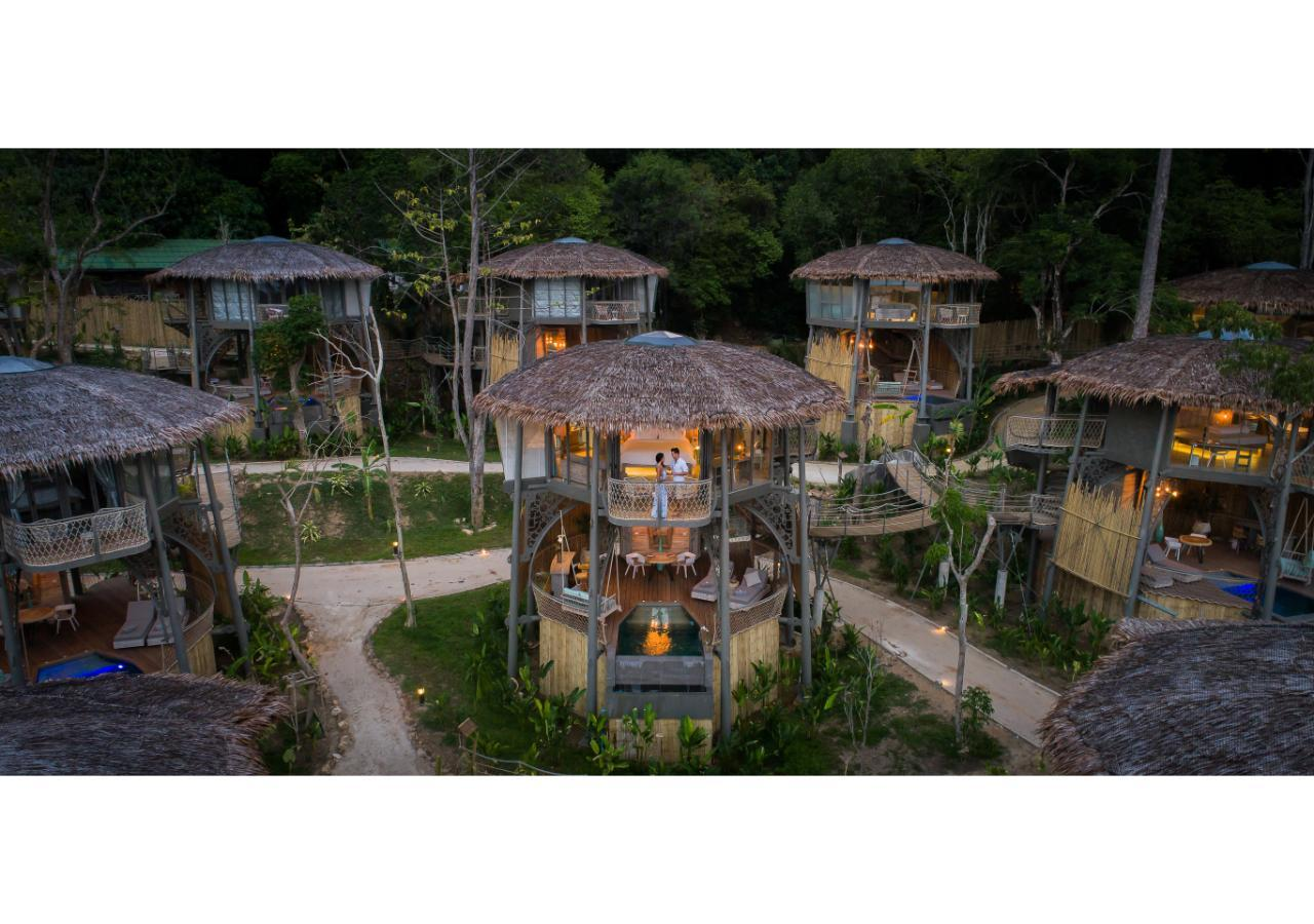 TreeHouse Villas   Adult Only