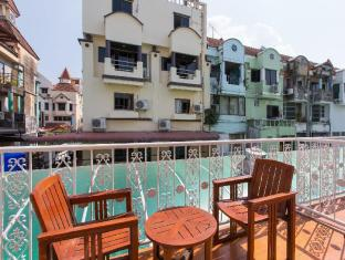 Connect Guesthouse Phuket - Balcony/Terrace
