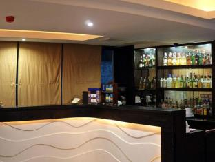 Pinnacle Hotel and Suites Davao City - Pub