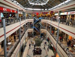 East of Galleria Condominium Manila - Nearby Mall- Robinson's Galleria