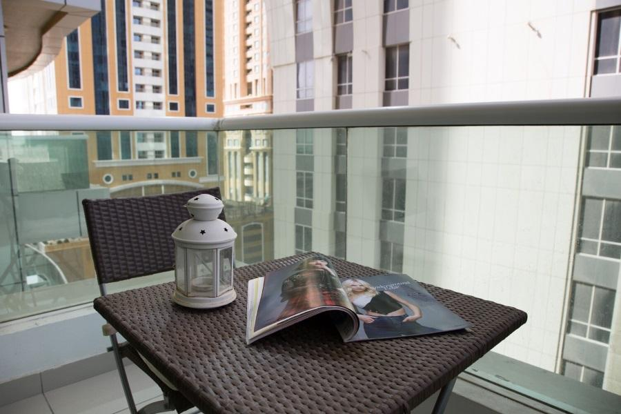 Nice Big 1BR Apartment Perfect Location In Marina