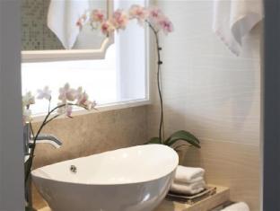 Dorsett Regency Hotel, Hong Kong Hong Kong - Bathroom