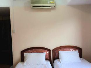 Riverside Hotel Vientiane - Twin Air Conditioning with Window