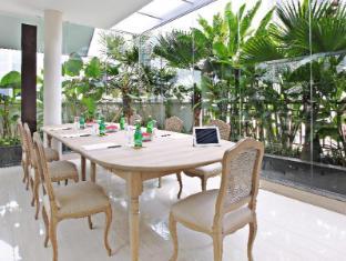 Rasuna Icon Hotel Jakarta - Meeting Room