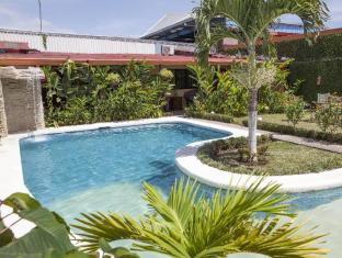 Berlor Airport Inn Alajuela - Swimming Pool