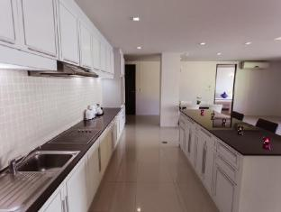 Haven Serviced-Apartments Phuket - Kitchen