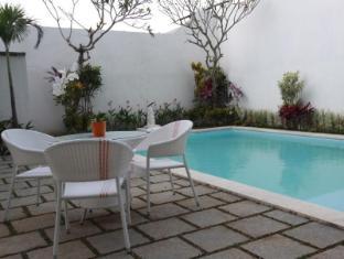 Spazzio Bali Hotel بالي - حمام السباحة