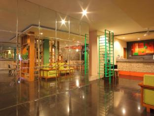 Spazzio Bali Hotel Bali - Empfangshalle