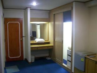 The Son Hotel Bangkok - Spacious Room Interior