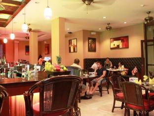 Patong Hemingway's Hotel Phuket - The Mango Tree Restaurant