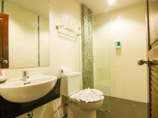 巴東海明威的酒店 布吉 - 衛浴間