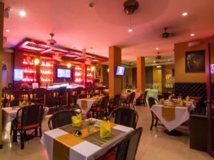 Patong Hemingway's Hotel Пхукет - Ресторан